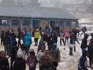 Yah - es schneit :-) !